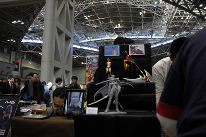 iPad and figures at comiket
