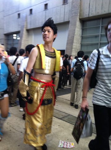 Gold man cosplay tokyo game show