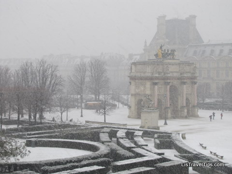Louvre in snow